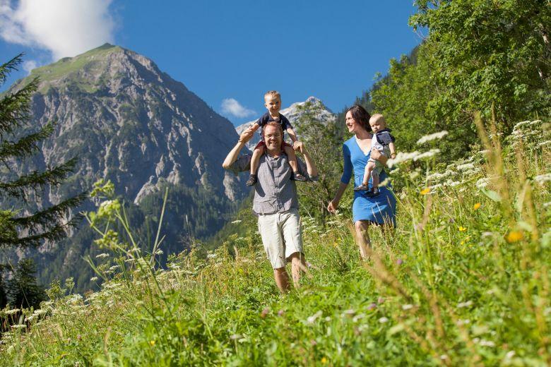 Wanderferien mit der Familie, Wandern in Österreich, Hotel Lagant