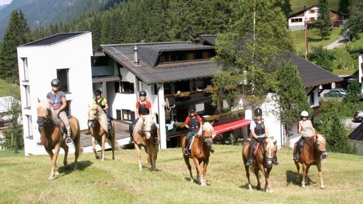 Reiturlaub, Reithotel Mateera, Gargellen, Montafon, Vorarlberg, Österreich