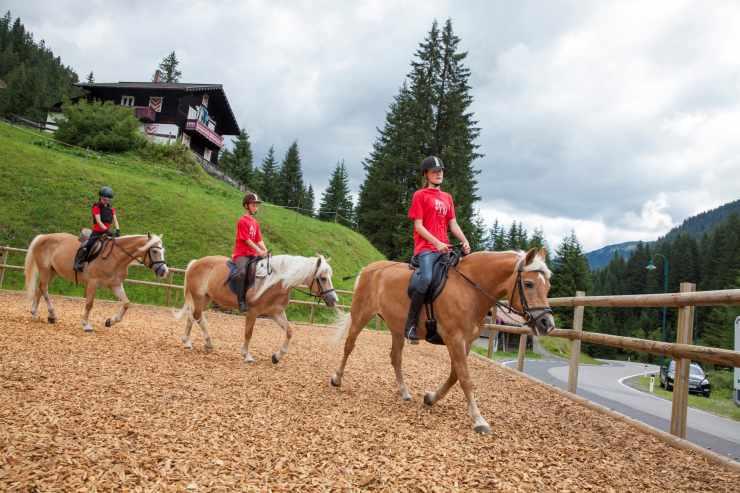 Reitferien, Reithotel Mateera, Gargellen, Montafon, Vorarlberg, Österreich
