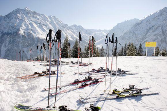 Winterferien, Urlaub im Skigebiet, Hotel für Familien in Vorarlberg, Österreich