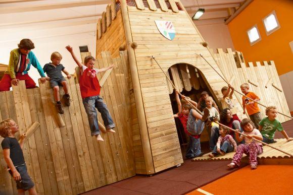 Spielhalle für Kinder im Familienurlaub, Hotel Österreich
