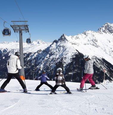 Winter Urlaub, Skiferien, Bergurlaub Vorarlberg, Österreich