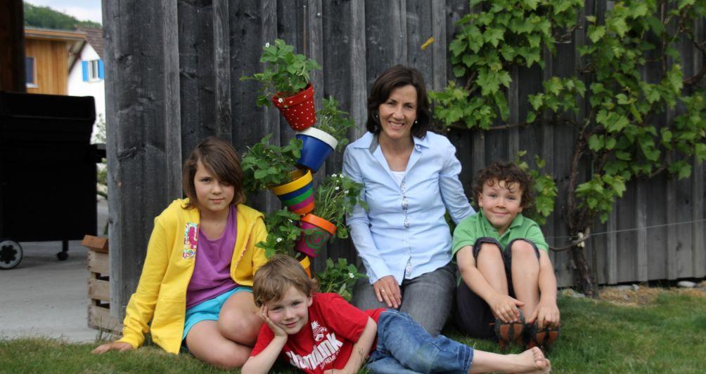 fam Gründerin Andrea Schwärzler mit ihrer Familie